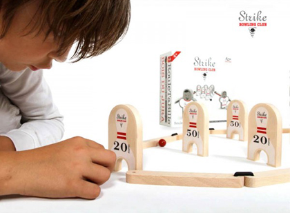 Strike Bowling Club Marbles Game by Les Jouets Libres
