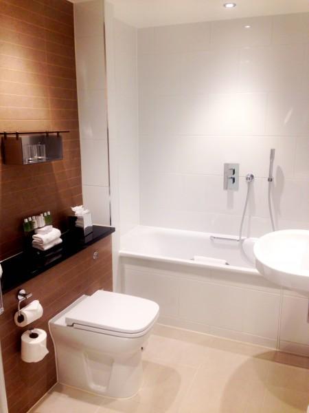 Charing Cross Hotel Junior Suite bathroom