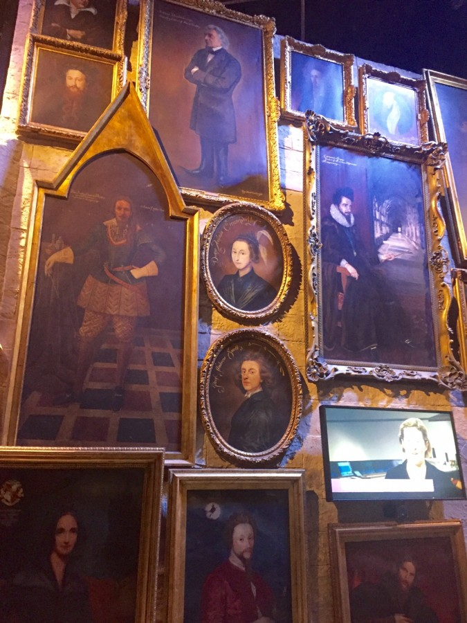 Harry Potter tour Hogwarts paintings