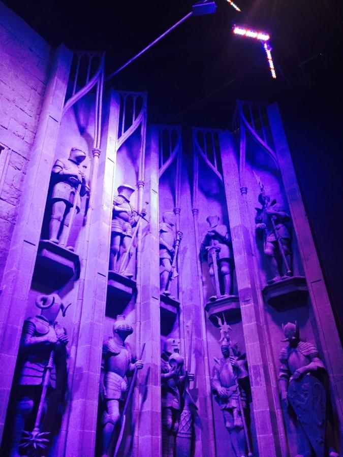 Harry Potter tour statues