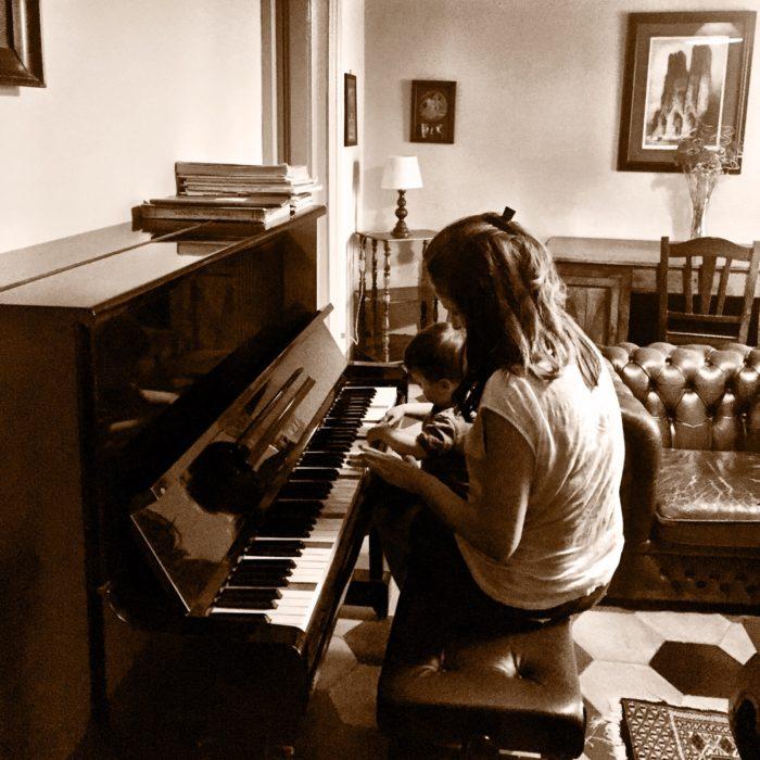 Villa Pia piano room