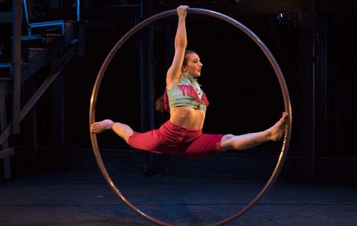 Cirque Eloize Saloon