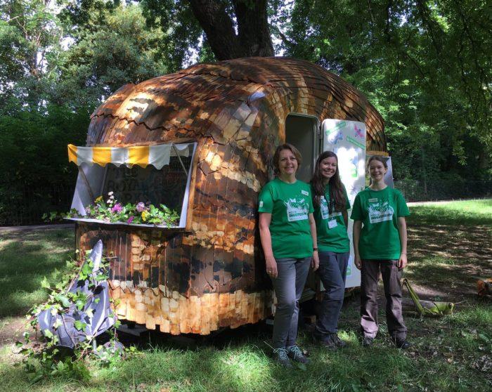 Giant Snail Tour Hyde Park