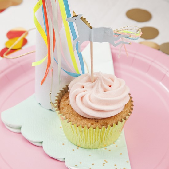 Blossom and Bow unicorn party box