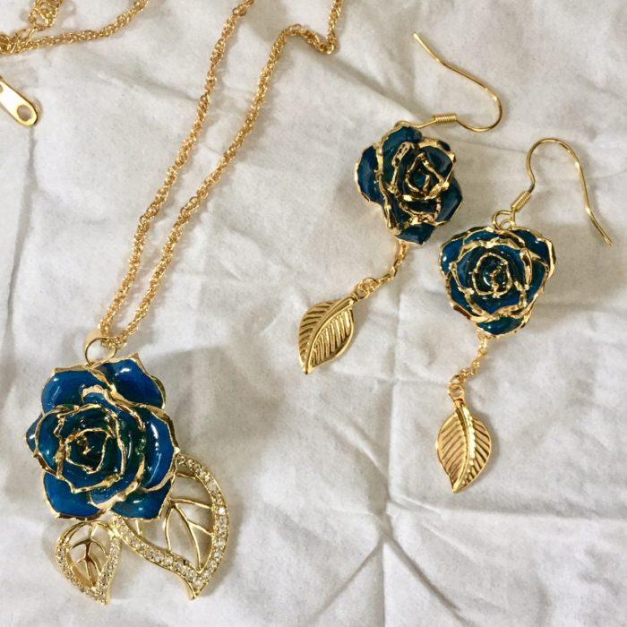 Eternity Rose blue rose pendant set