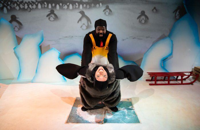 Huddle Unicorn Theatre-Photography-by-Alicia-Clarke