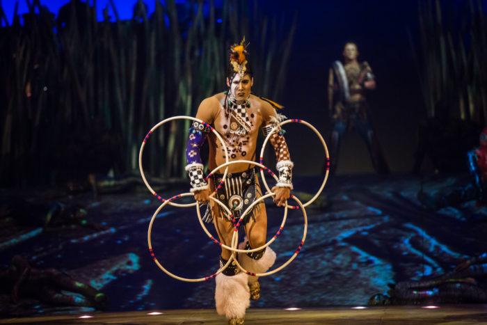 Cirque du Soleil hoops dance