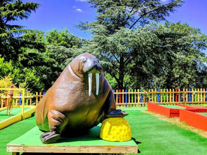 Plonk crazy golf Horniman walrus